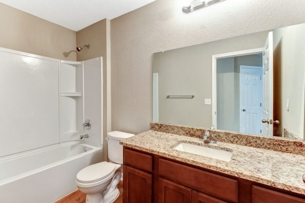 30_4555 Glendas Meadow Dr Hi-Res